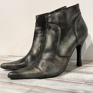 STEVE MADDEN Lymlite Metallic Pointed Booties - 8
